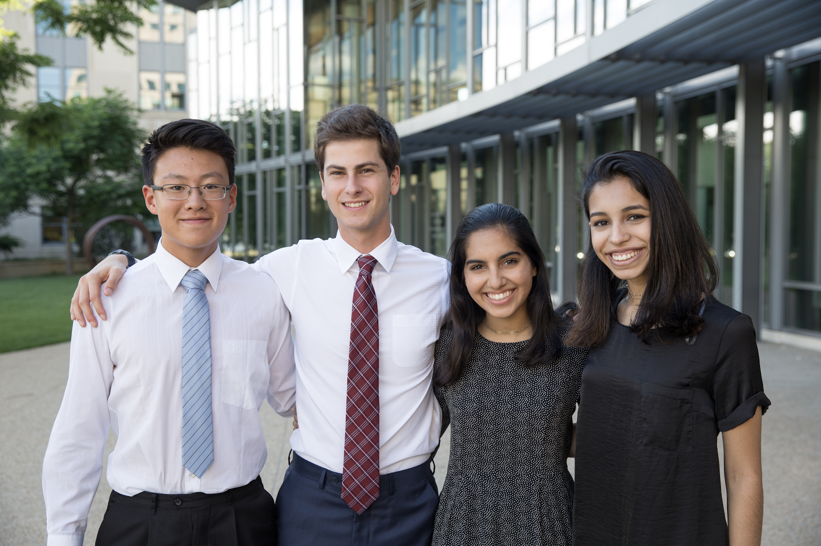 Juku Services 3D printing company, a team of high school entrepreneurs