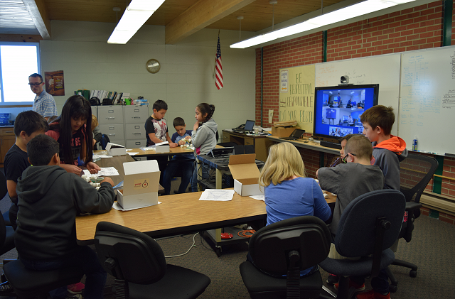 Learning Spark user testing their STEM kit in the classroom